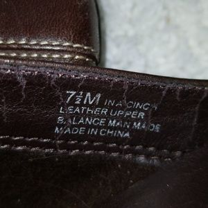 Shoes - Euc Aerosole brown leather mules